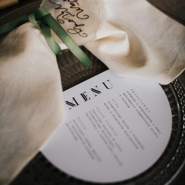 """""""Arches"""" minimalistyczne menu w kształcie półkola"""